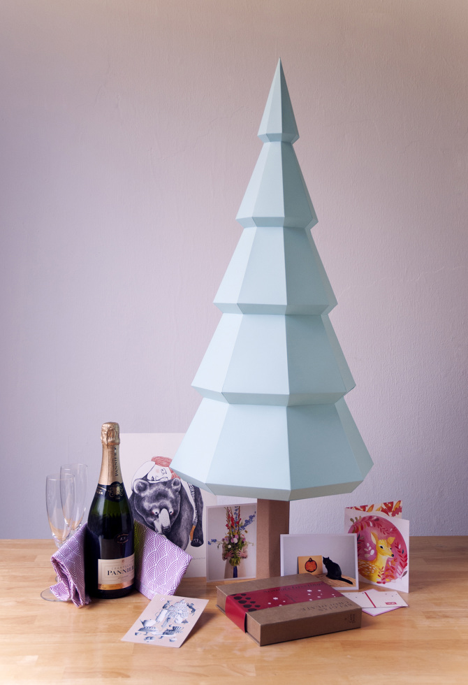 FINDS Holiday DIY Roundup - Folded Paper Christmas Tree