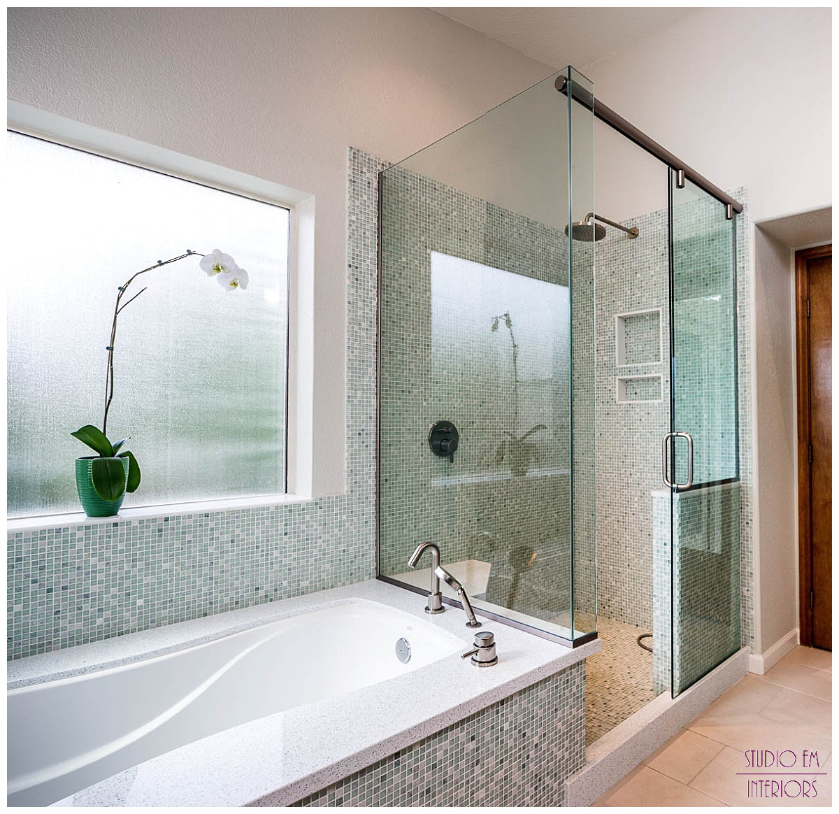 Chandler Spa Suite - Shower and Tub - Studio Em Interiors