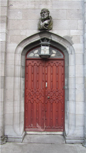 Intricate-Wooden-Dublin-Door---FINDS-Blog