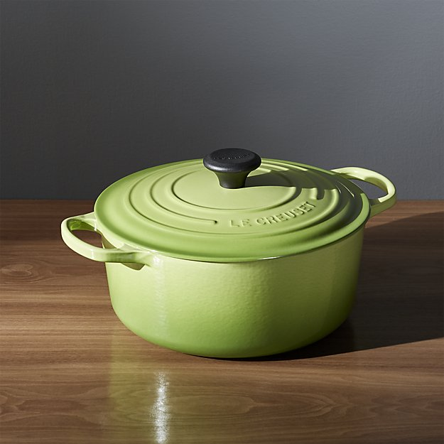 le-creuset-signature-5.5-qt.-round-palm-french-oven-with-lid